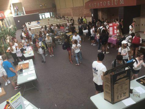 2016 Club Fair Draws Crowds