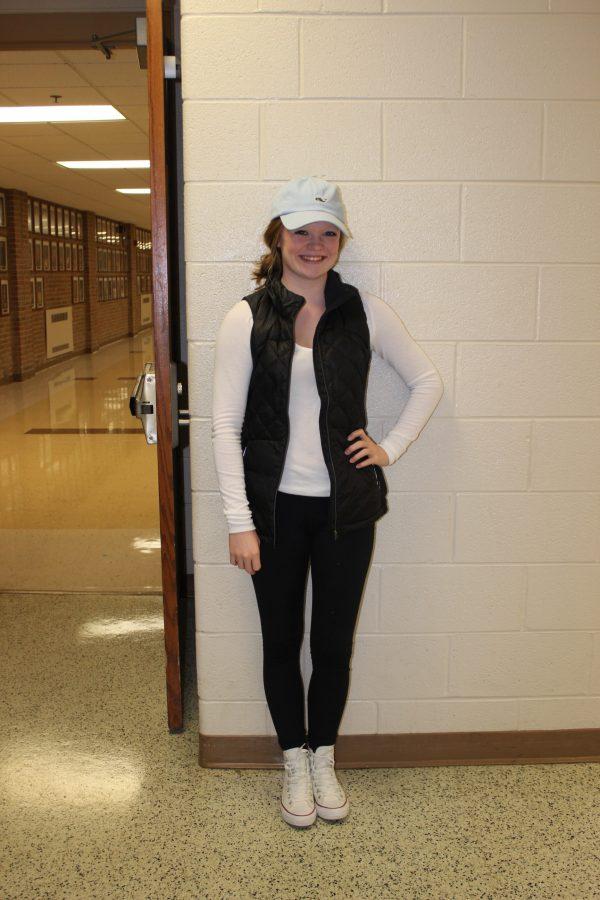 Sophomore+Emma+Brown+keeps+warm+in+her+lightweight+vest.