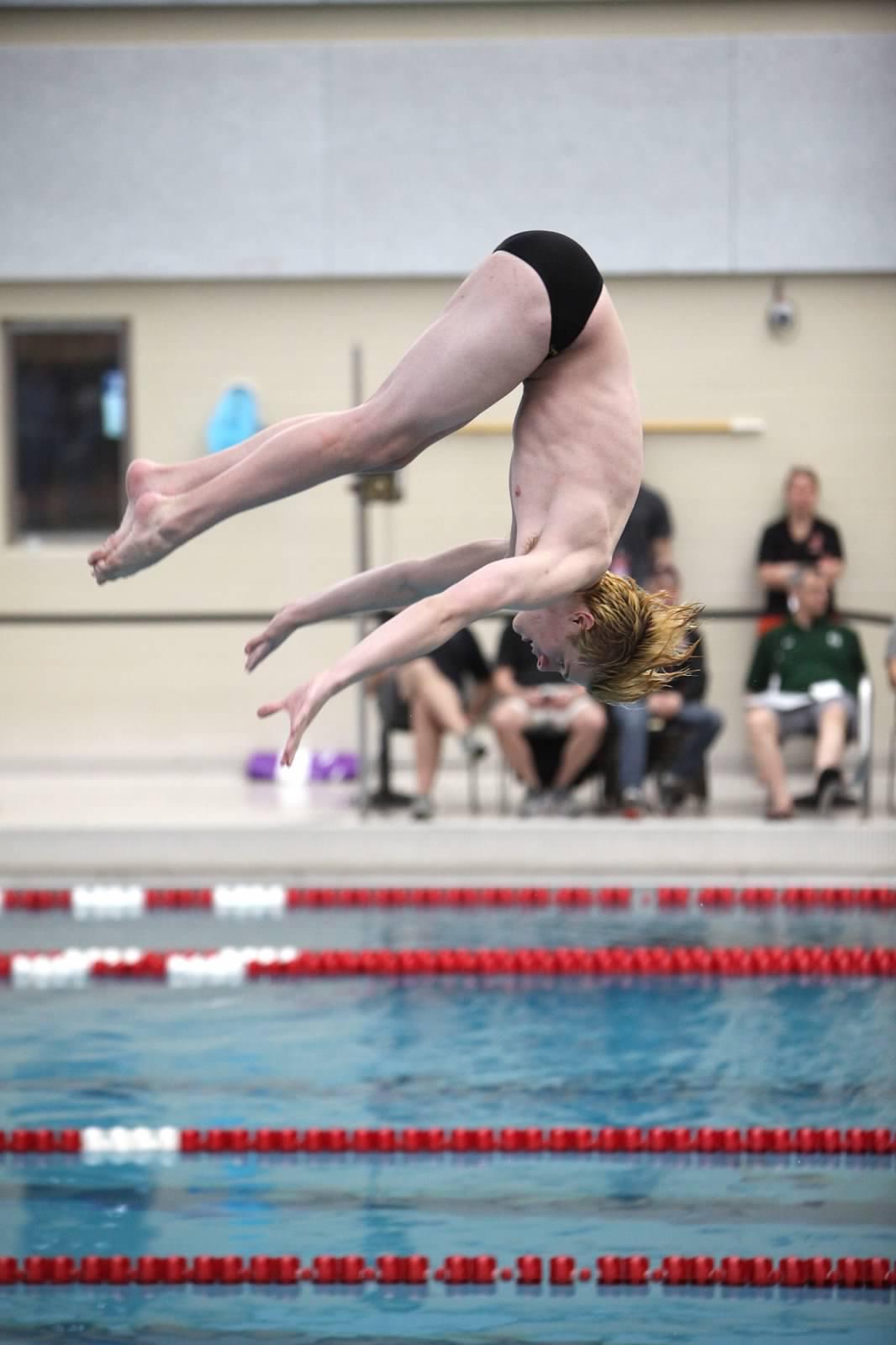 Sole Diver senior Eric Rossio competes.