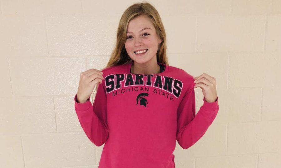 Senior+Bailey+Pease+representing+her+future+college+Michigan+State+University.