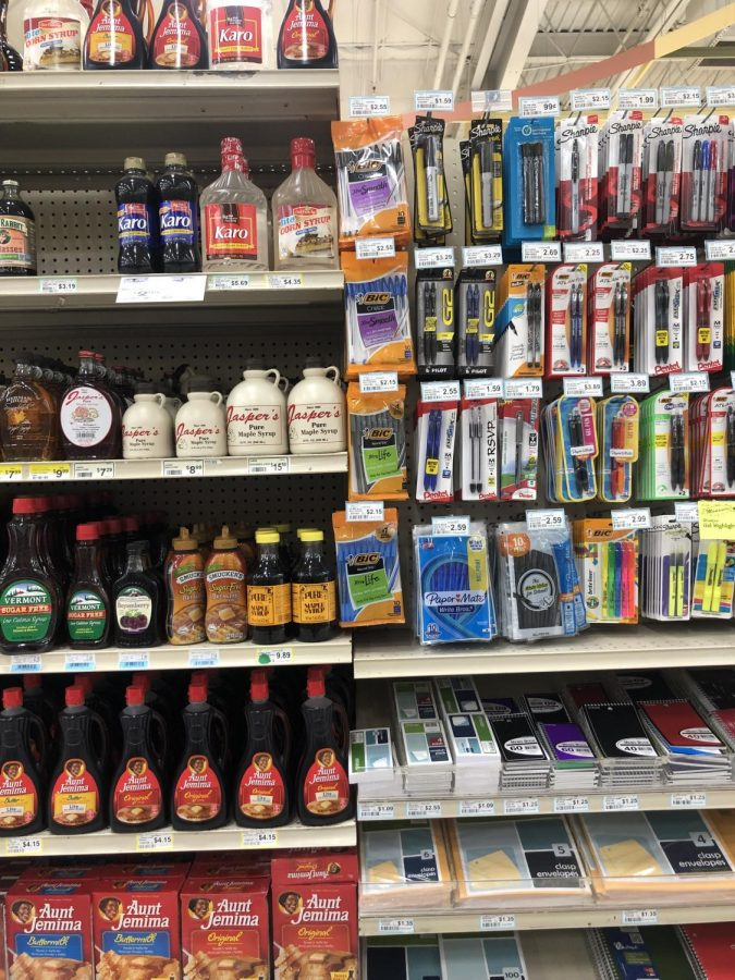 A+local+kroger+has+their+items+on+display+in+an+orderly+fashion+so+shopping+can+buy+with+ease.%0A