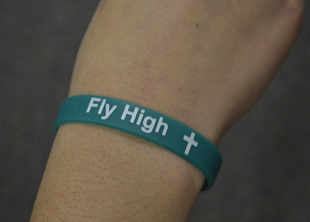 A+fly+high+wristband+made+by+Senior+Kirsten+Pihajlic++in+commemoration+of+Senior+Lindsey+Montroy%2C+who+passed+away+in+July+2013.