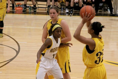 Lady Highlanders Fall to Clarkston