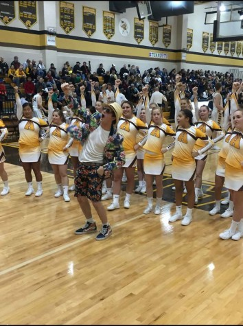 Highlanders inch out Cougars to go undefeated
