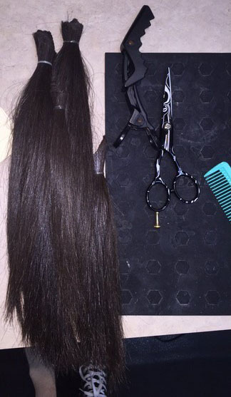 Ziniti donated her hair to the same organization from which she received a wig when she had cancer.