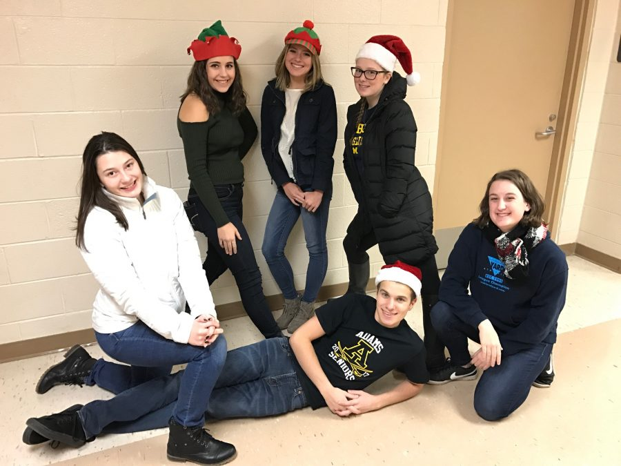 Kilt editors are gearing up for the holiday season! (From left to right: top- Lizzy Botkin, Jordan Revenaugh, Shelby Smith  bottom- Sophia Williams, Adam Garfinkle, Zoe Garden)