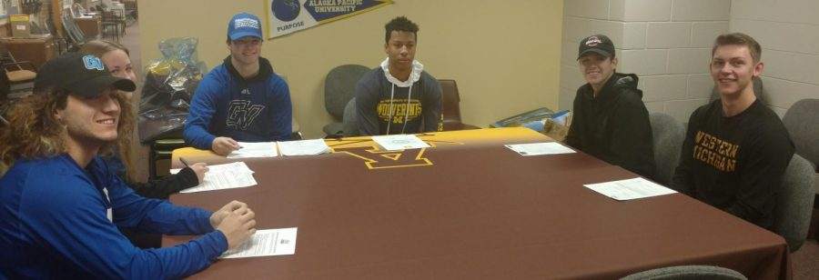 All+six+Adams+athletes+on+signing+day.
