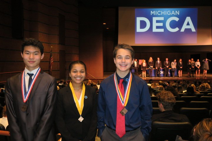 Kyle+Sun+%28left%29%2C+Leiah+Stone+%28middle%29%2C+and+Nick+Pesci+%28right%29+at+the+District+7+Conference.